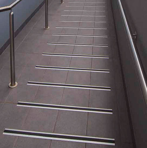 Aluminium Surface Tread For Stairs Or Ramps Total